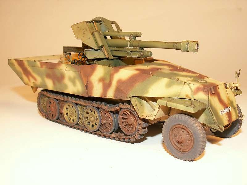 gepanzerte 3 Tonner Zugmaschine Sd. Kfz. 11 mit 10,5 cm lFh....