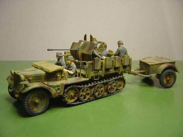 Komplettmodell 1 to. Halbkettenzugmasch. mit 2 cm Flak 38...